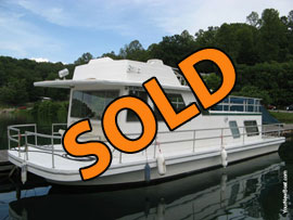1980 Gibson Standard 12 x 42 Fiberglass Houseboat For Sale on Norris Lake TN