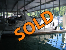 1998 Regal 292 Commodore Mid Cabin Cruiser For Sale on Norris Lake near Knoxville TN