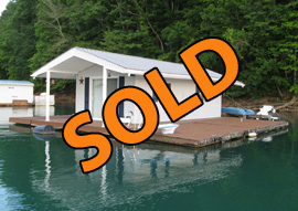 324sqft Open Concept Floating Cottage For Sale on Norris Lake TN at Sequoyah Marina
