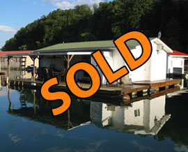 20 x 30 Floating Cottage Approx 600 sqft For Sale on Norris Lake at Shanghai Resort Marina