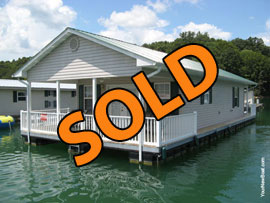 20 x 37 Floating Cottage Approx 740 sqft For Sale on Norris Lake TN
