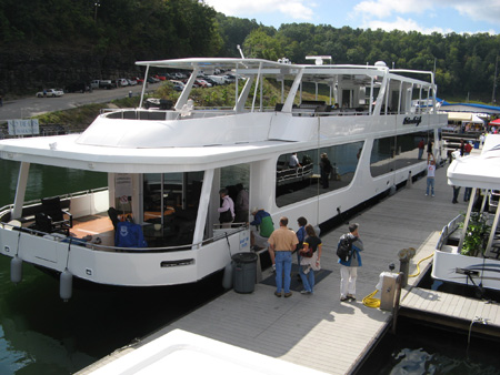 Highlights of the 2009 On Water Houseboat Expo